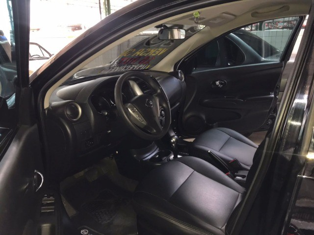 Nissan Versa 1.6 SV 2018 Automático com GNV - Foto 8