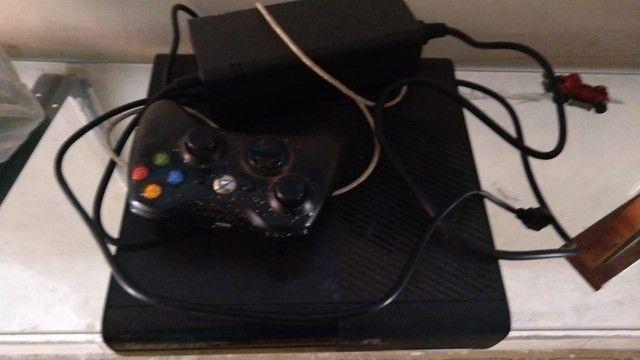 Xbox 360 E - Foto 2