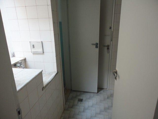 Apartamento com vaga de garagem, composto por sala, 2 quartos, banheiro social, cozinha, á - Foto 16