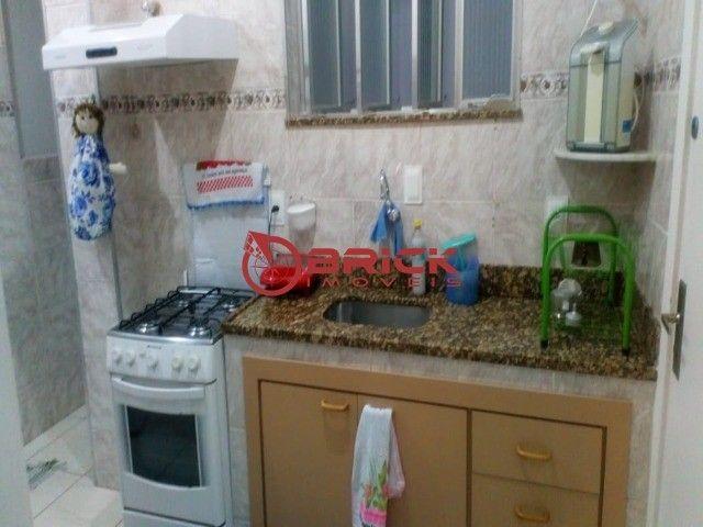 Apartamento de 1 quarto com dependência, elevador e garagem no Alto, Teresópolis/RJ. - Foto 6