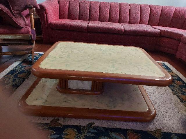 Conjunto de mesas de centro e mesa de canto