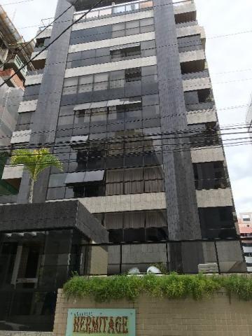 Formoso APT no Edf. Hermitage na 1? quadra da Ponta Verde com 131m²