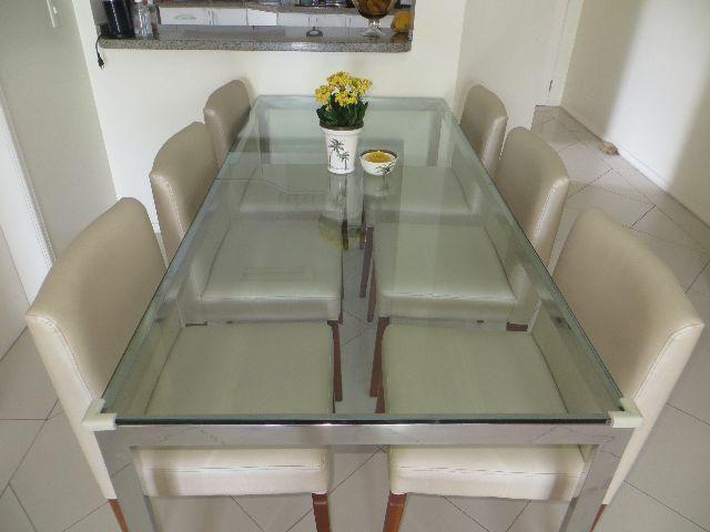 Oportunidade Conjunto Mesa de Jantar (aço inox e vidro) com 6 cadeiras - Ótimo estado