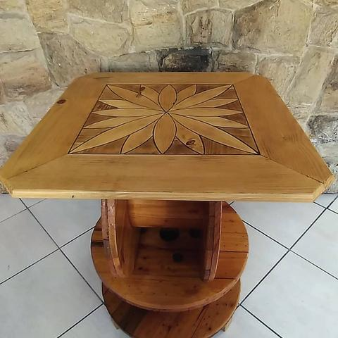 Mesa para área de churrasqueira/gourmet