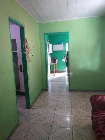 Troco uma casa no Canaã três quartos um sala e conhzinha - Foto 2