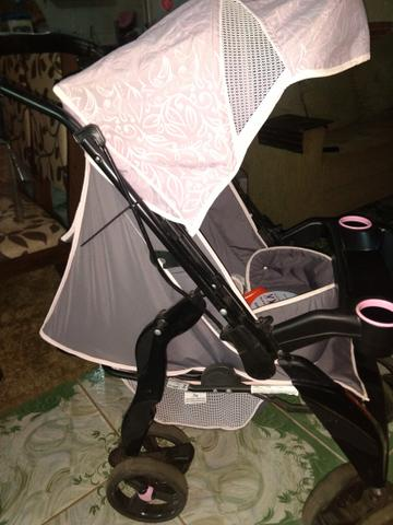 Carrinho de bebê Tutti usado brinde andador