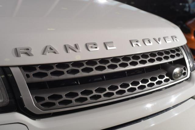 LAND ROVER RANGE ROVER EVOQUE 2.0 16V DIESEL SE 4WD AUT./2016 - Foto 9