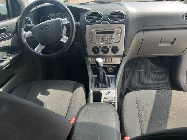 Ford Focus Sedan 2.0 GLX completo revisado - Foto 8