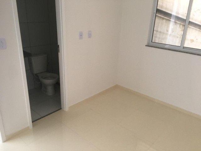 Casas na planta em Condomínio Fechado, de 2 quartos com suíte e porcelanato - Foto 5