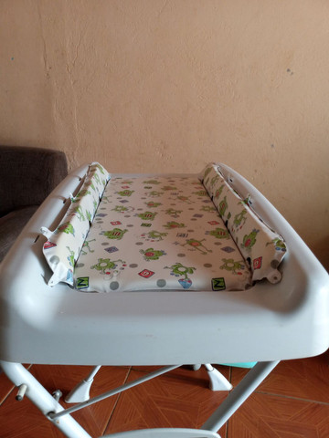 Suporte de banheira para bebê com trocador