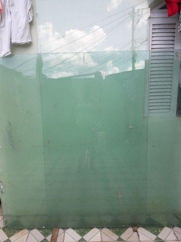 Vendo 2 vidro Blidex para fechamento