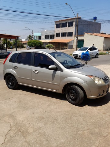 Fiesta hatch 1.6 ou troco ou agio