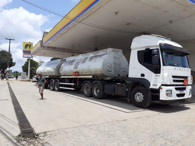 Conjunto caminhão e tanque - Foto 2