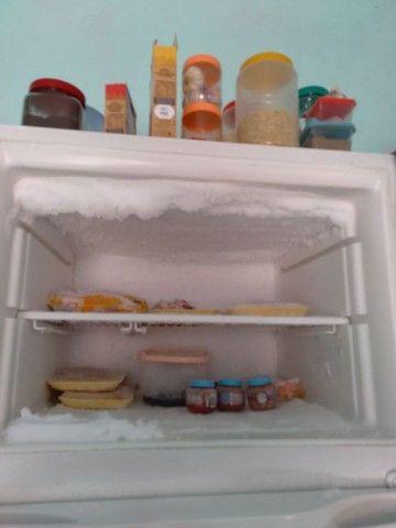 geladeira com congelador separado - Foto 6