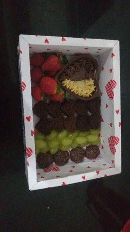Cesta de chocolate/ petiscos  - Foto 3