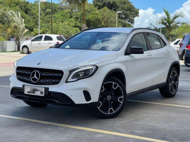 Mercedes GLA-200! 2019! Night! Rodas 19! 4.000km!