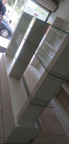 Prateleira de vidro com 3 gavetas  - Foto 3