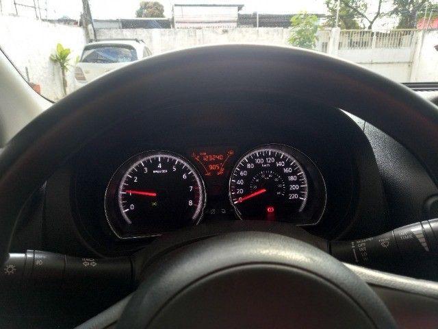 Versa Nissan  - Foto 6