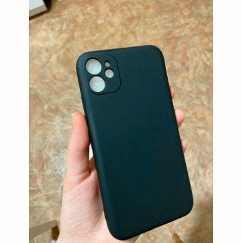 Capa (capinha) Silicone Premium iPhone 11 Proteção Câmera - Foto 6