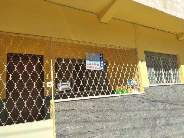 Alugo Apartamento Térreo na Assis Ribeiro em Barra do Piraí.
