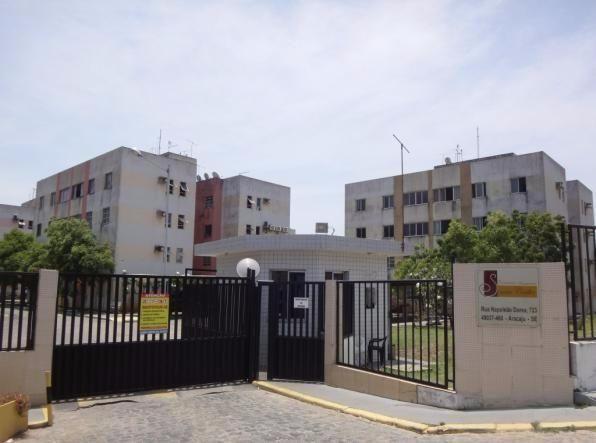 Apartamento no Condomínio Santa Cecília, no Bairro Atalaia