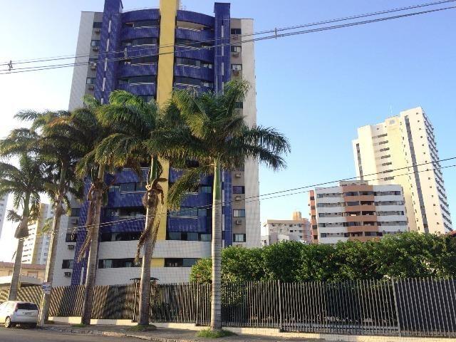 Apartamento com 3 quartos sendo 2 suítes em Lagoa Nova