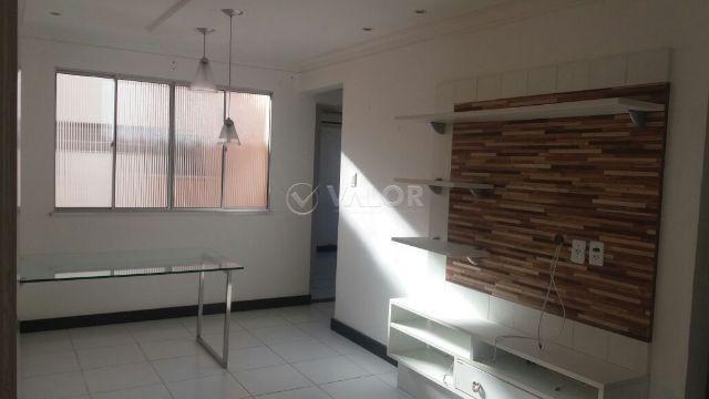Apartamento no Condomínio Flor de Lis, 2/4 bairro Inácio Barbosa