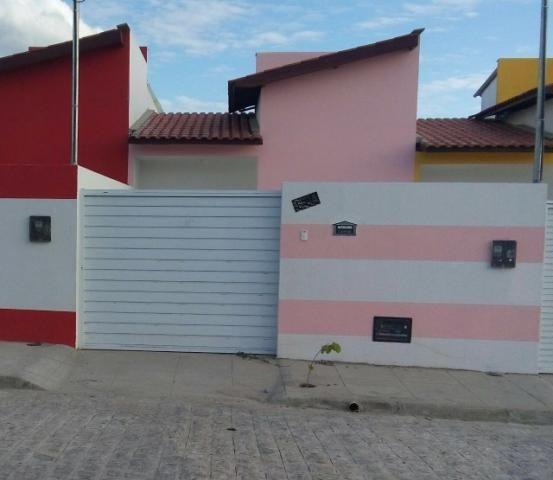 Casa pronta com 2 quartos e beco em Campina Grande