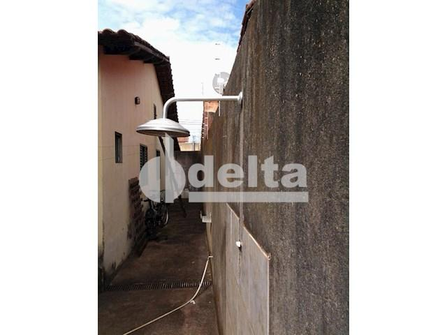 Casa para alugar com 3 dormitórios em Segismundo pereira, Uberlândia cod:545080 - Foto 10