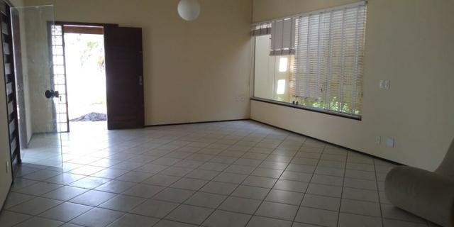Casa alugar no Calhau com 4 suítes - Foto 4