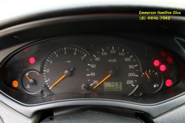 Focus Sedan Ghia 2.0 16V Flex - Foto 9