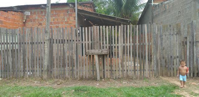 Troco uma casa no Canaã três quartos um sala e conhzinha - Foto 3