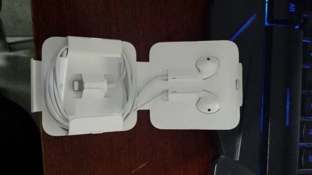 Fone de ouvido Lightning Apple Original - Foto 2