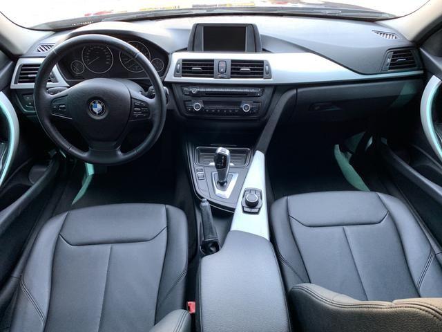 BMW 320i - Foto 15