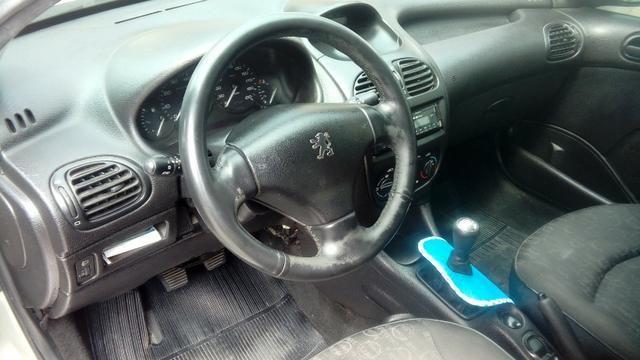 Peugeot 206 1.4 completo c/ GNV - Pouco rodado e em ótimo estado (2006/2007) - Foto 7