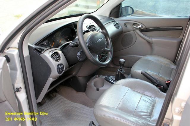 Focus Sedan Ghia 2.0 16V Flex - Foto 6