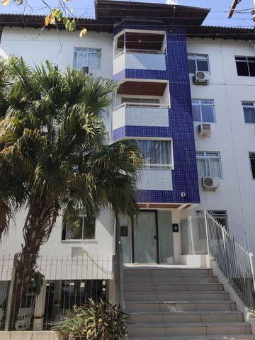 Aluguel apartamento mobiliado 2 dormitórios com garagem Itacorubi Florianópolis