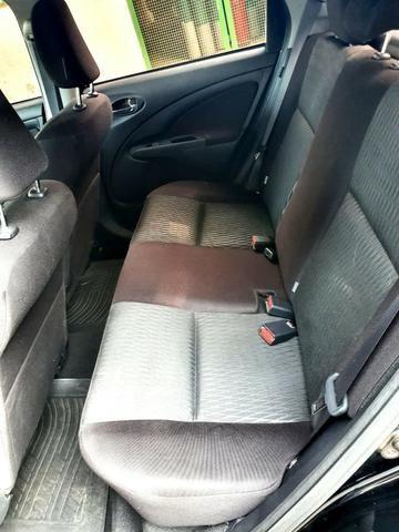 Etios Hatch XS 1.5 Atutomático 16.000 km - Foto 9