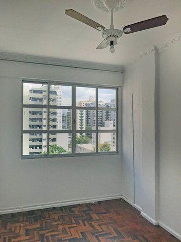 Apartamento para alugar 3 dormitórios com garagem no Centro de Florianópolis - Foto 9