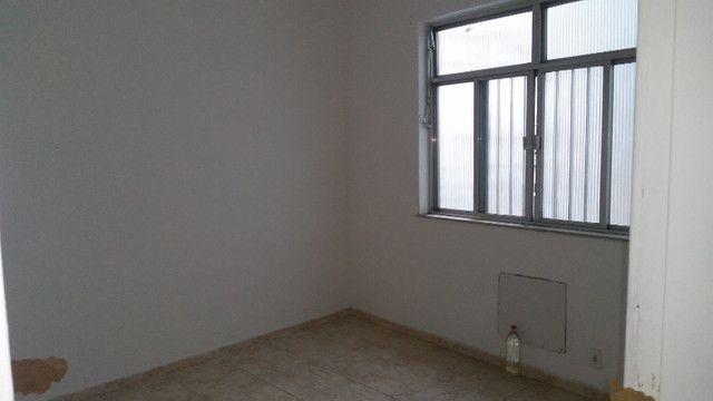 Apto 2 Quartos e Sala em L Podendo Fazer + 1 Quarto em frente ao Banco do Brasil Ac. Carta - Foto 8