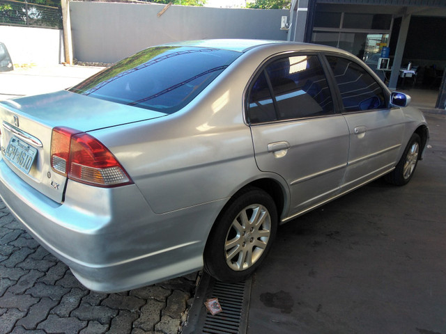 Honda civic lx 1.7 2005/2005 prata completo financiamos - Foto 3