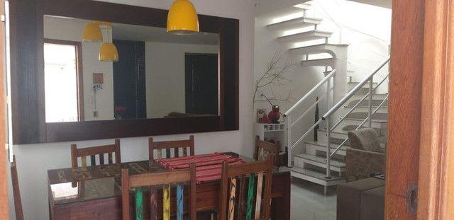 Casa de 3 quartos com suite em condomínio com lavabo, garagem para 4 carros e quintal - Foto 6