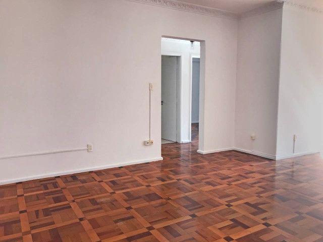 Apartamento para alugar 3 dormitórios com garagem no Centro de Florianópolis - Foto 2
