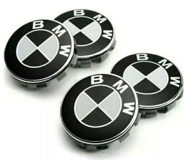 calota centro da roda emblema BMW 68mm preto e branco - Foto 6