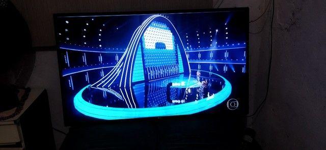 Vendo tv LG 43 smart Full HD 9 meses de uso imagem um pouco tremola assisto normal - Foto 2