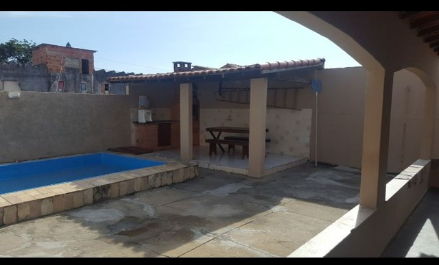 Casa com piscina em ótima localização - Foto 5