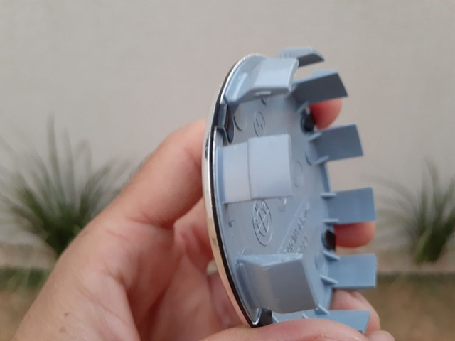 calota centro da roda emblema BMW 68mm preto e branco - Foto 5