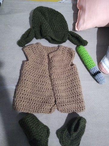 Roupa de crochê yoda - Foto 2