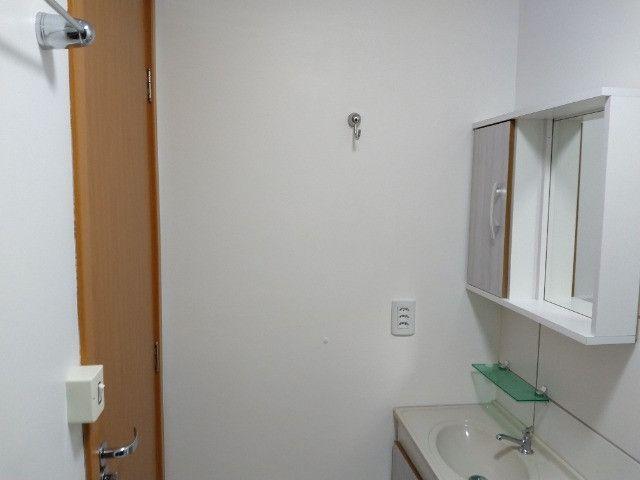 Vendo apartamento semimobiliado térreo 2 quartos - Foto 18