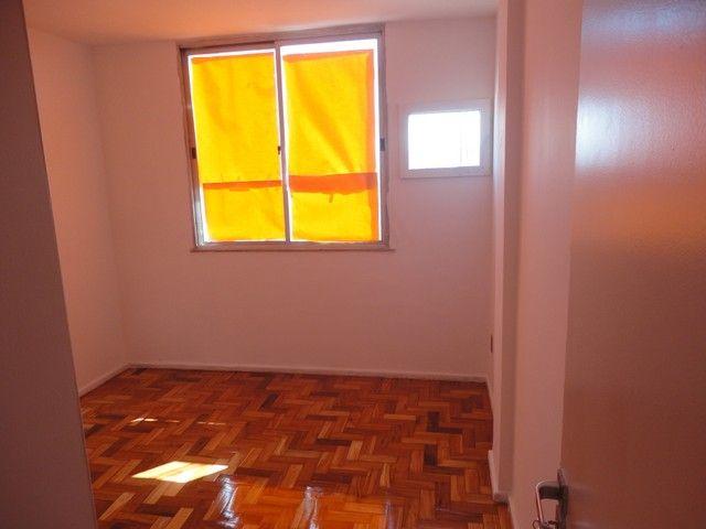 Apartamento com vaga de garagem, composto por sala, 2 quartos, banheiro social, cozinha, á - Foto 6